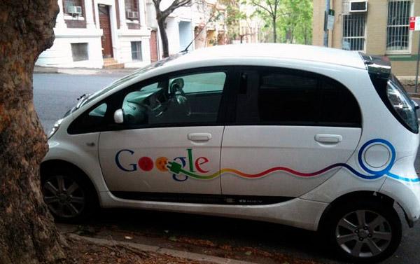 Припаркованный электромобиль сотрудника Google в Сиднее
