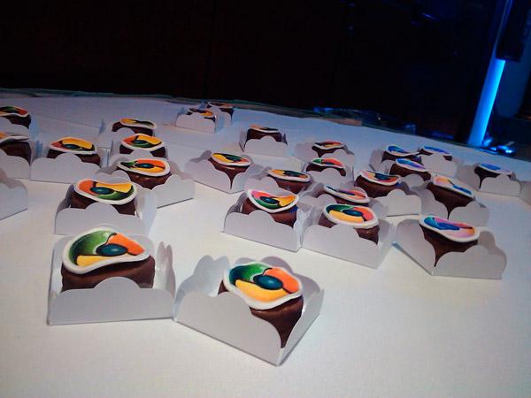 Пирожное Google Chrome которое выдавали на конференции Google I